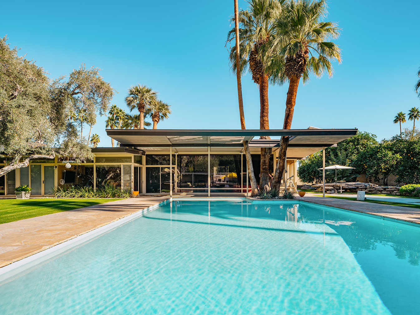 Palm springs modernist icon by e stewart williams lists for Property in palm springs