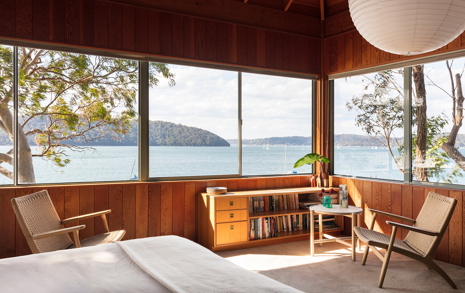 Pitt Point house by Ken Woolley in Pittwater, Sydney