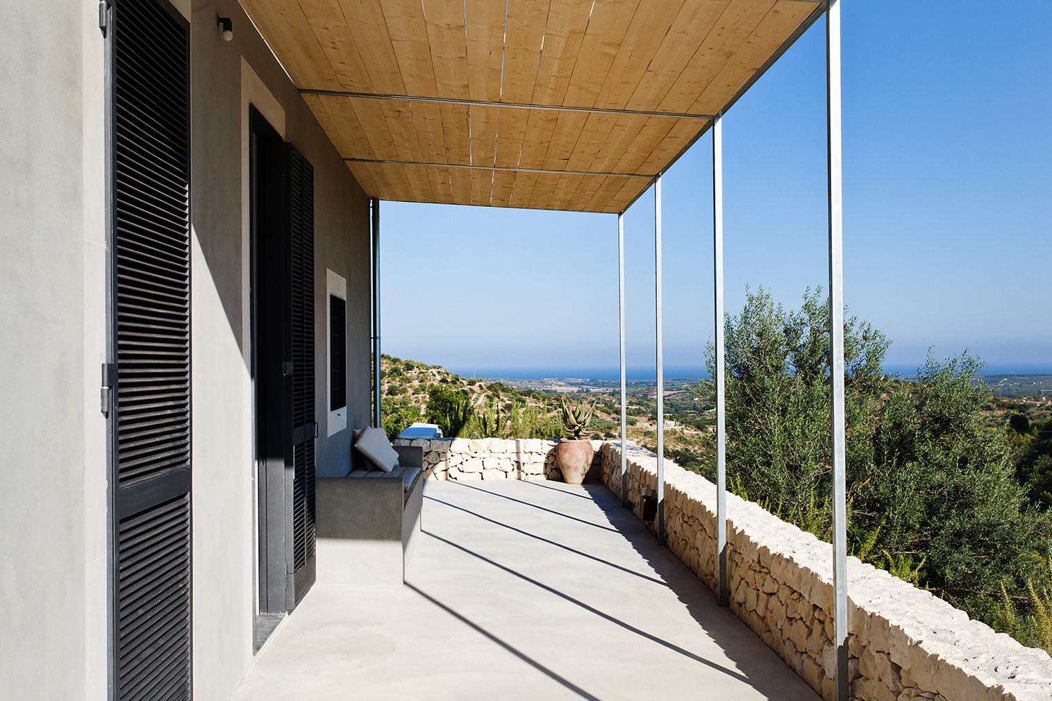 Villa Mura Mura for rent in Sicily via the Thinking Traveller