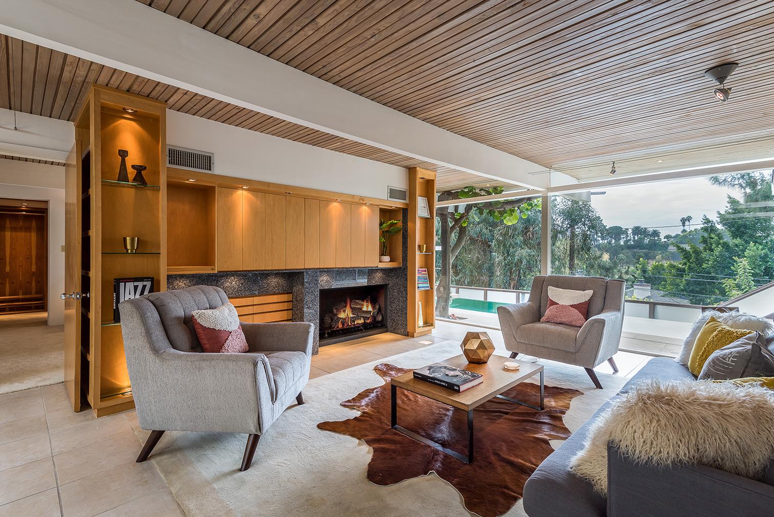 2621 La Cuesta for sale in Los Angeles