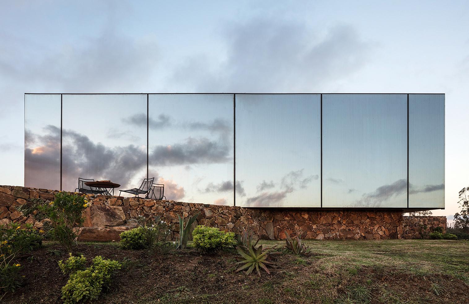 Картинки по запросу невидимая гостиница в уругвае