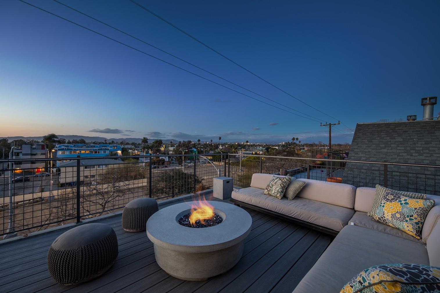 Venice Beach property for sale - Canal loft via Halton Pardee