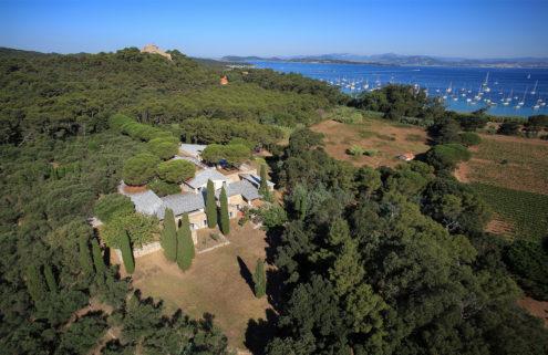 Fondation Carmignac opens an art museum on a Mediterranean island