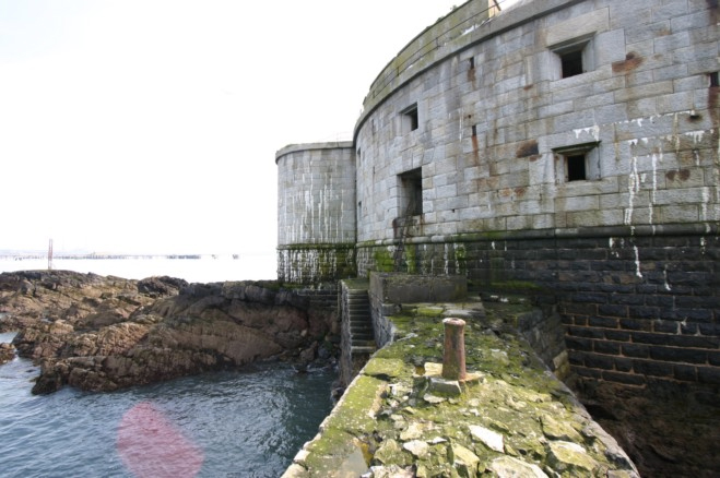 EXPRES - Napušteno ostrvo sa tvrđavom prodaje se za 400 hiljada funti