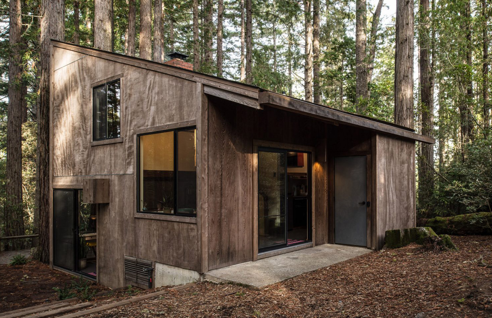 Restored cabin by Joseph Esherick comes up for rent in California\'s ...
