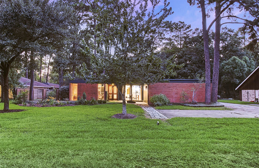 Texan architect's midcentury home lists for $890,000