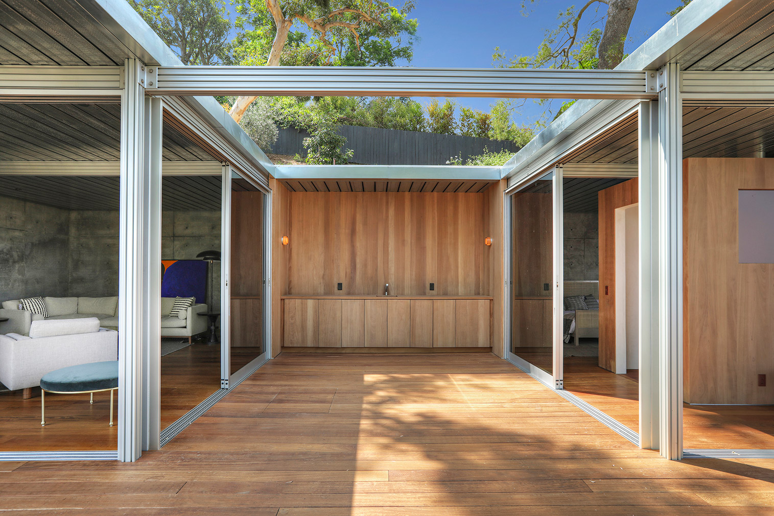 Restored modernist bolthole by Albert Martin lists for $5.1m in LA
