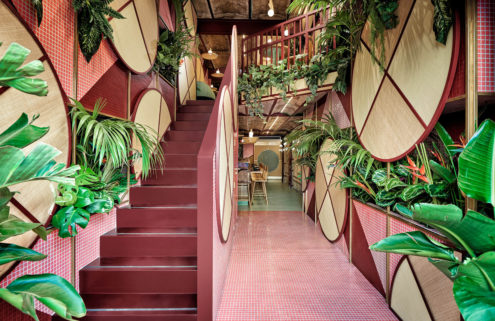 Plants burst out of the walls at Valencia's Kaikaya sushi bar