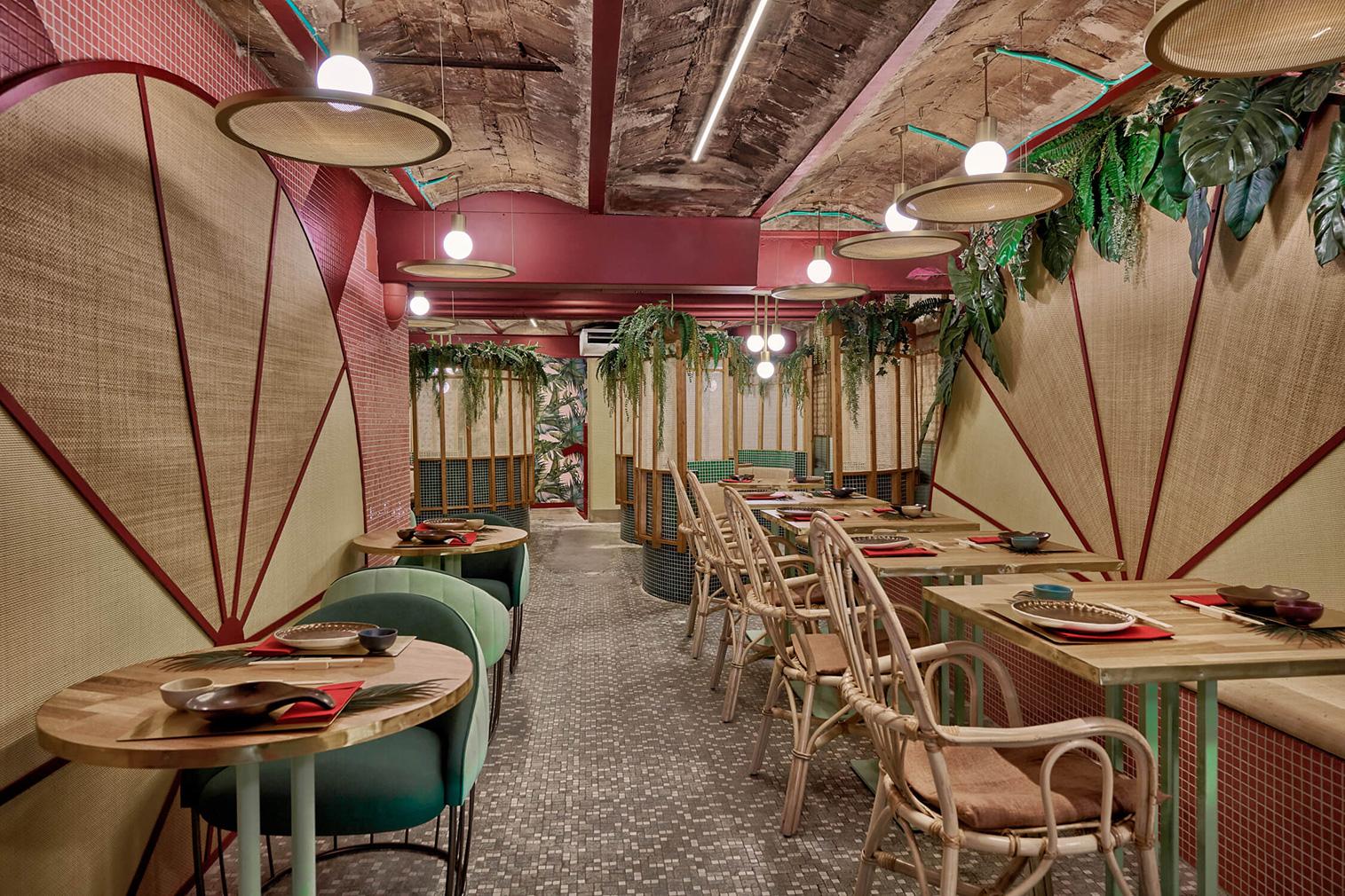 Plants burst out of the walls at Valencia's Kaikaya sushi bar