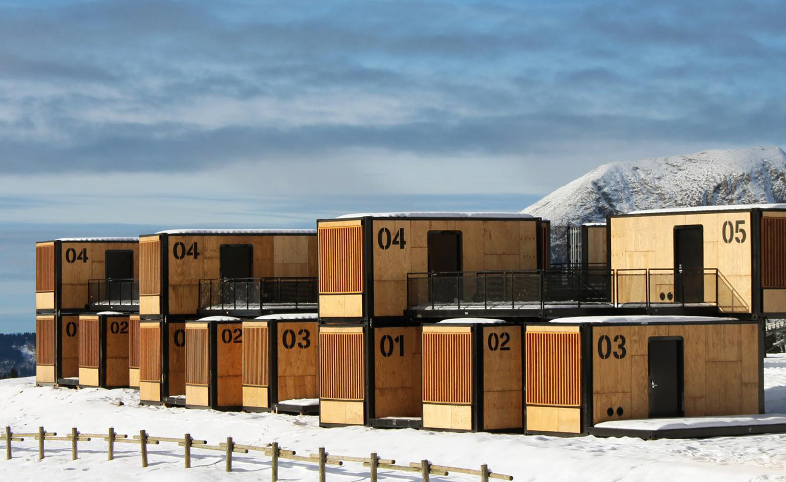Ora-ïto designs nomadic hotel that can be installed in half a day