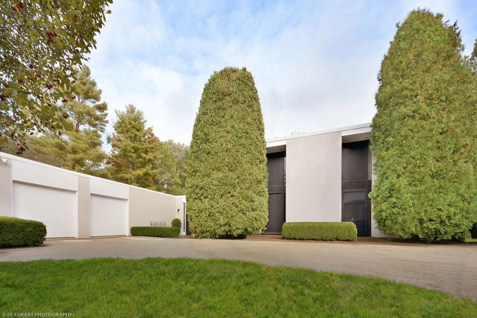 Architect's perfectly preserved 1965 home hits the market near Chicago