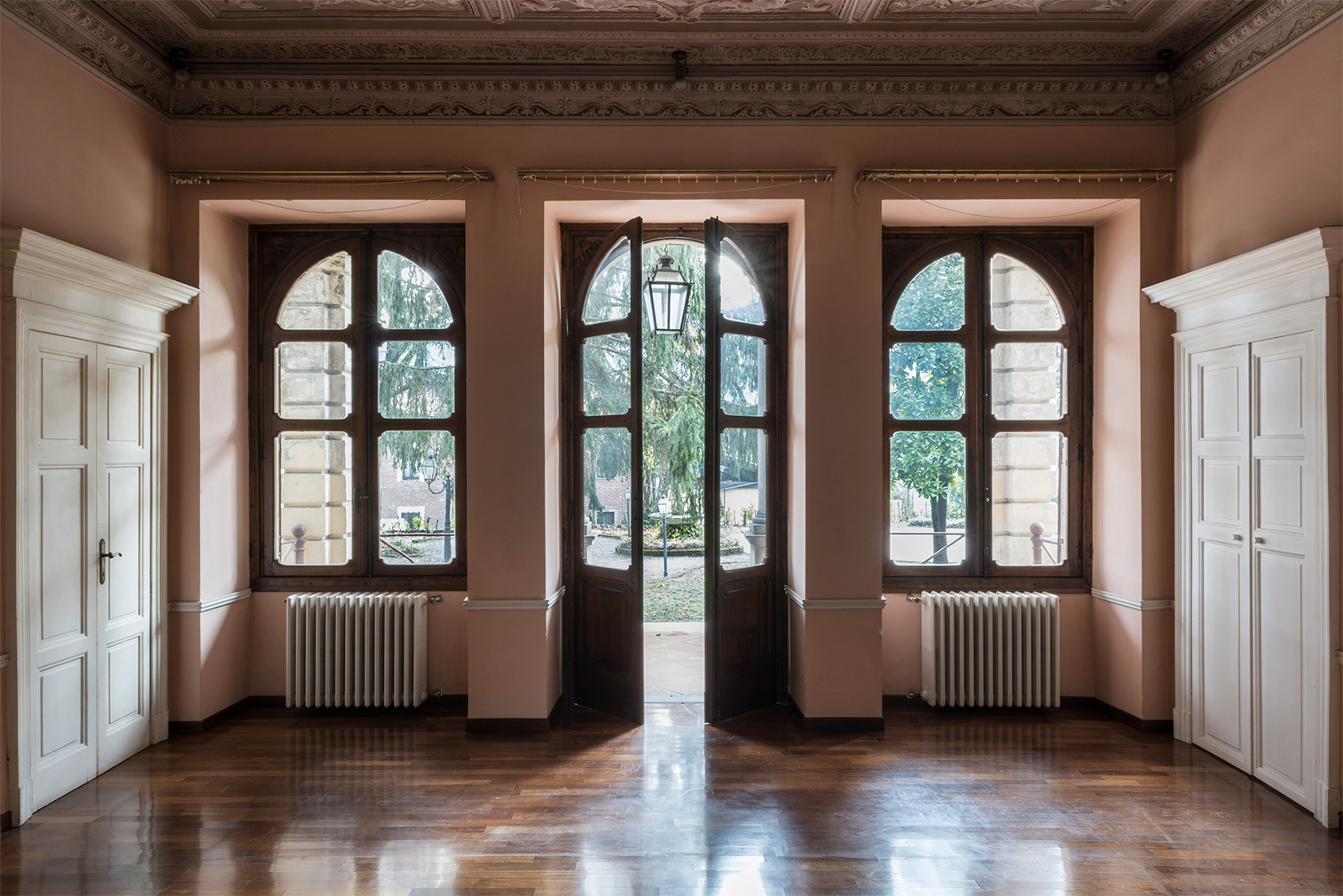 Italian palazzo for sale