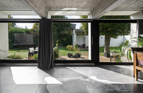 Wolfgang Döring designed modernist home hits the market near Dusseldorf