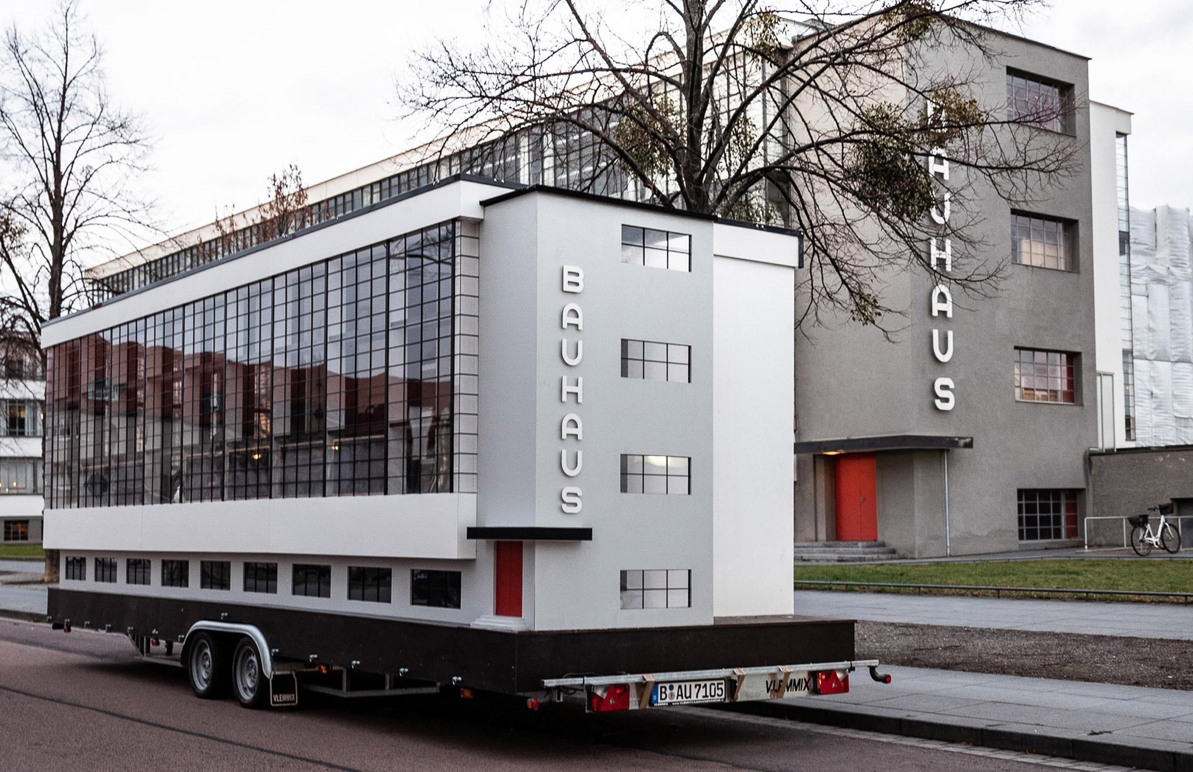 'Bauhaus bus' hits the road in Dessau