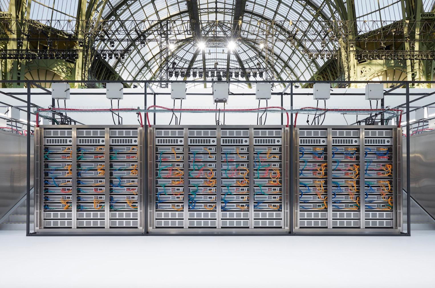 Data Centre Chanel - SS17 fashion show set