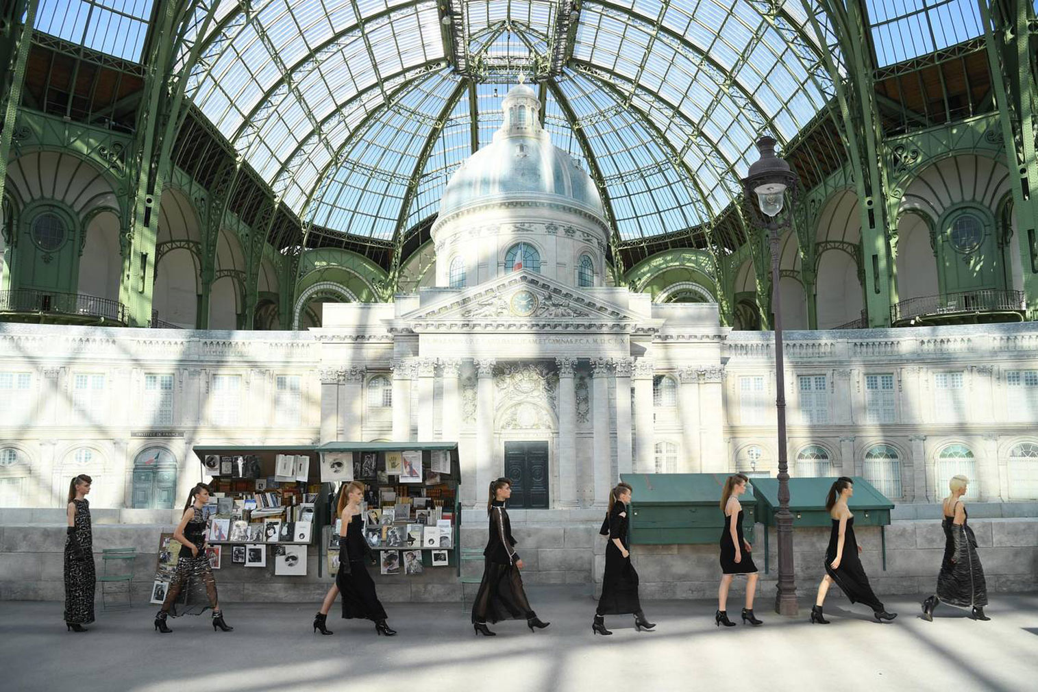 Rue de Chanel, Parisian street - AW18 Couture fashion show set