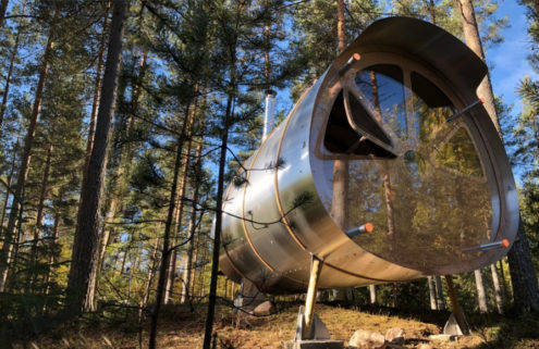 Fuselage is a flat-pack cabin that adapts to the landscape