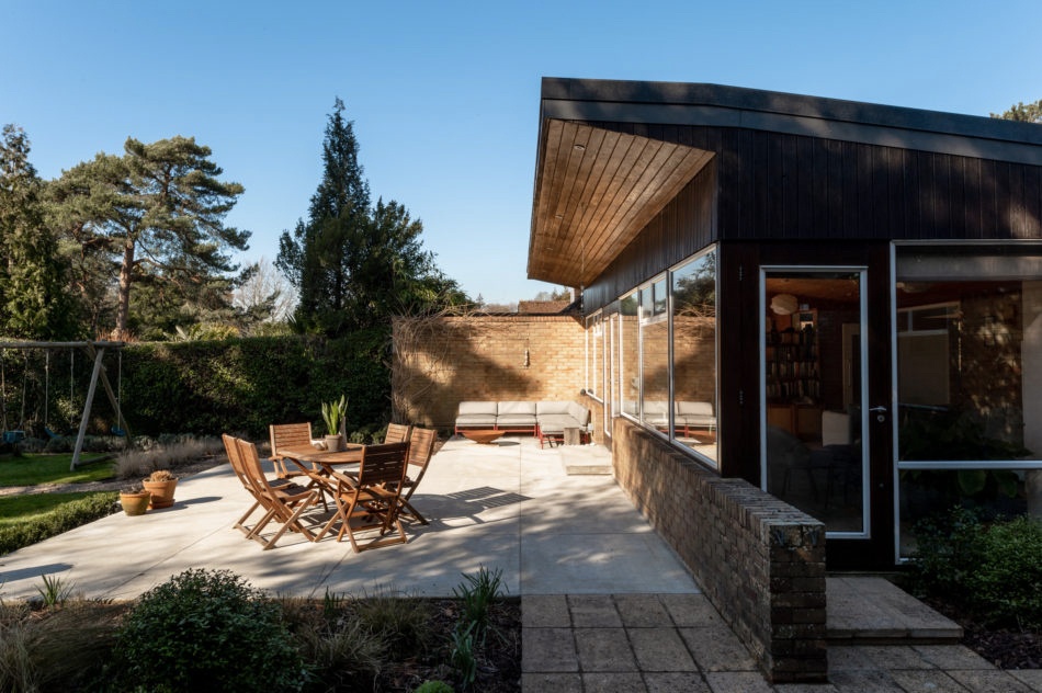 Classic midcentury modern home lists for £875,000 in East Sussex