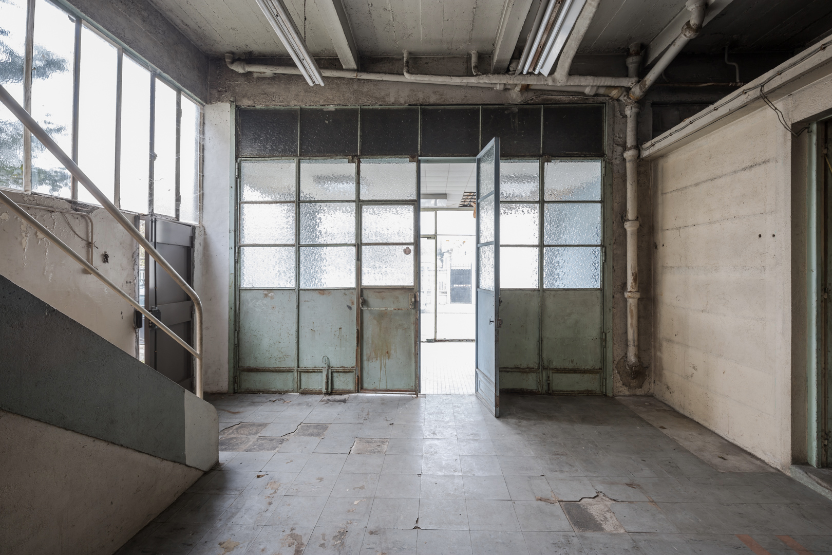 French warehouse ripe for conversion on the outskirts of Paris