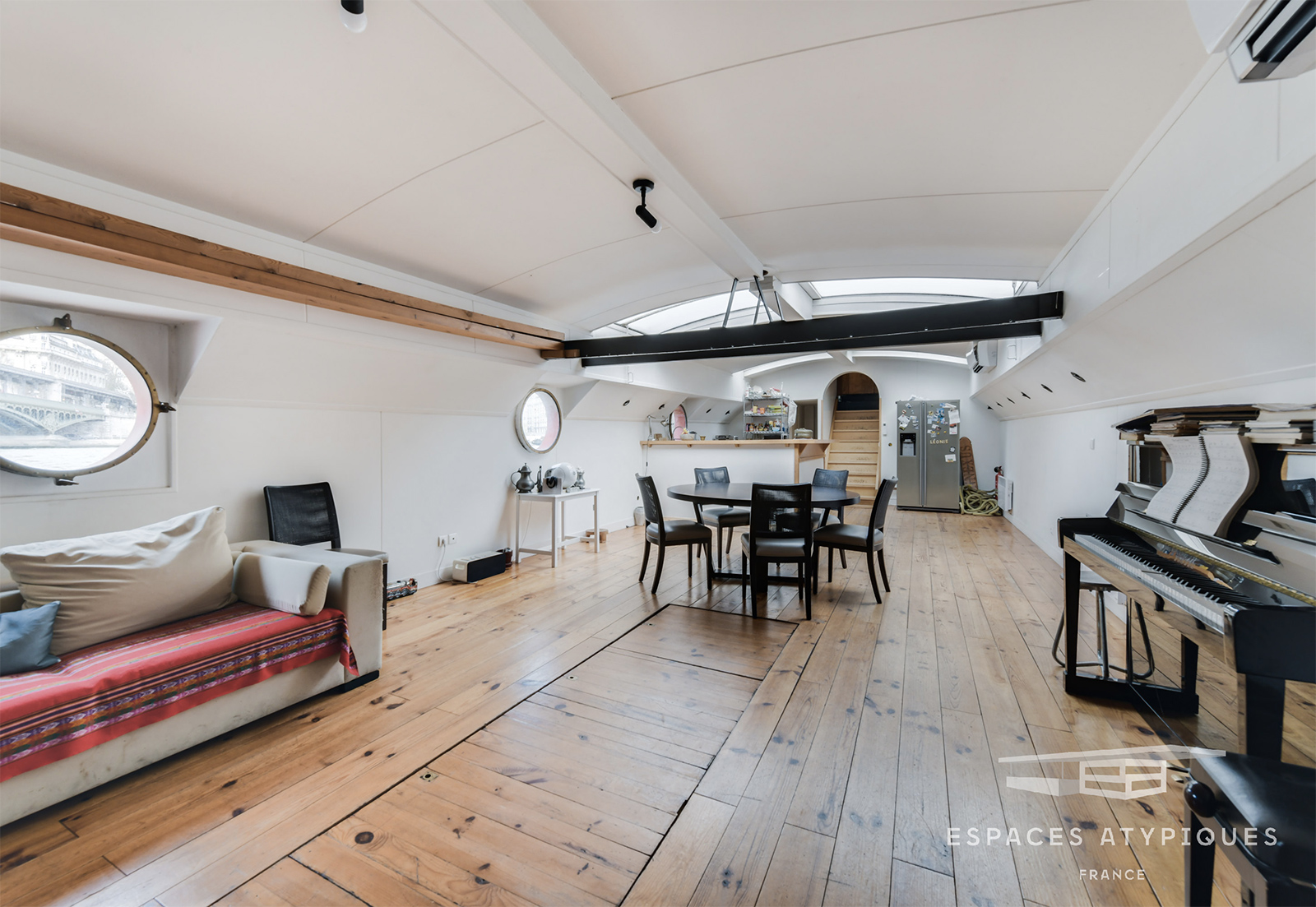 5 floating homes on the market right now - The Spaces