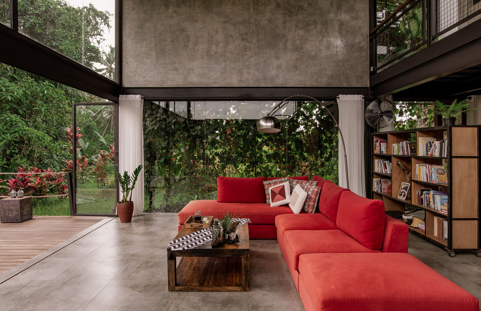 A Taste Of Tropical Modernism Near Bali S Ubud The Spaces