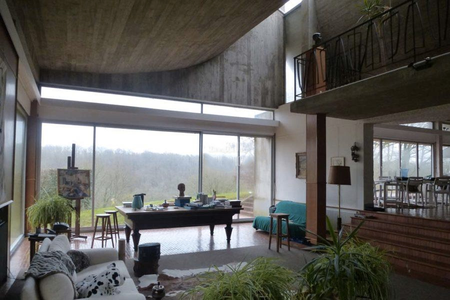 Supermodernist home by Claude Parent for sale in France's Bois-le-Roi