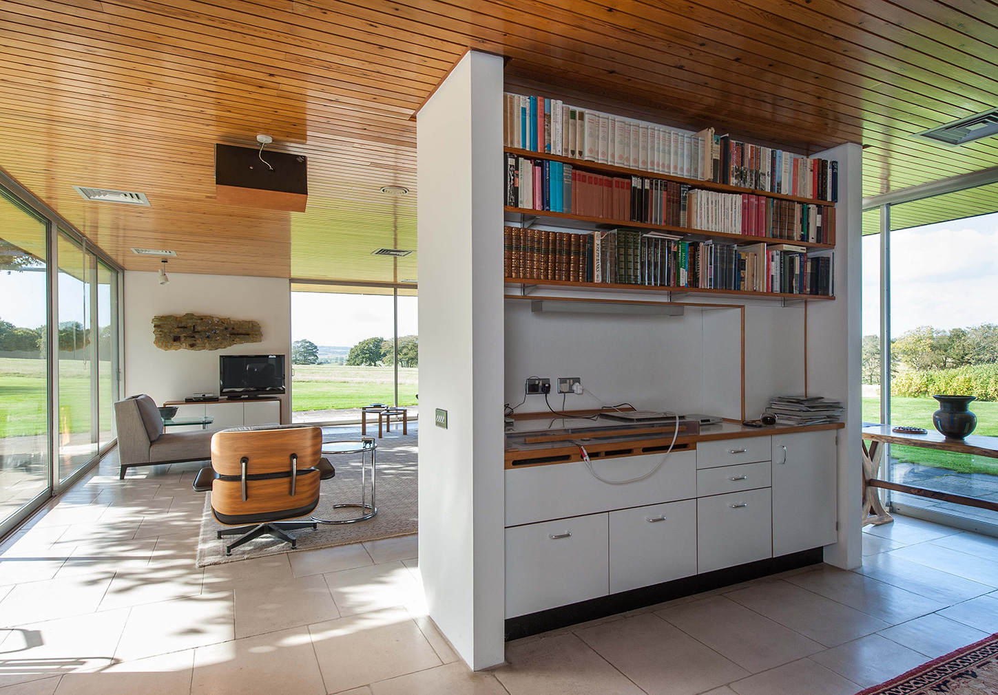 Mies-inspired midcentury home is for sale in the UK's Rye