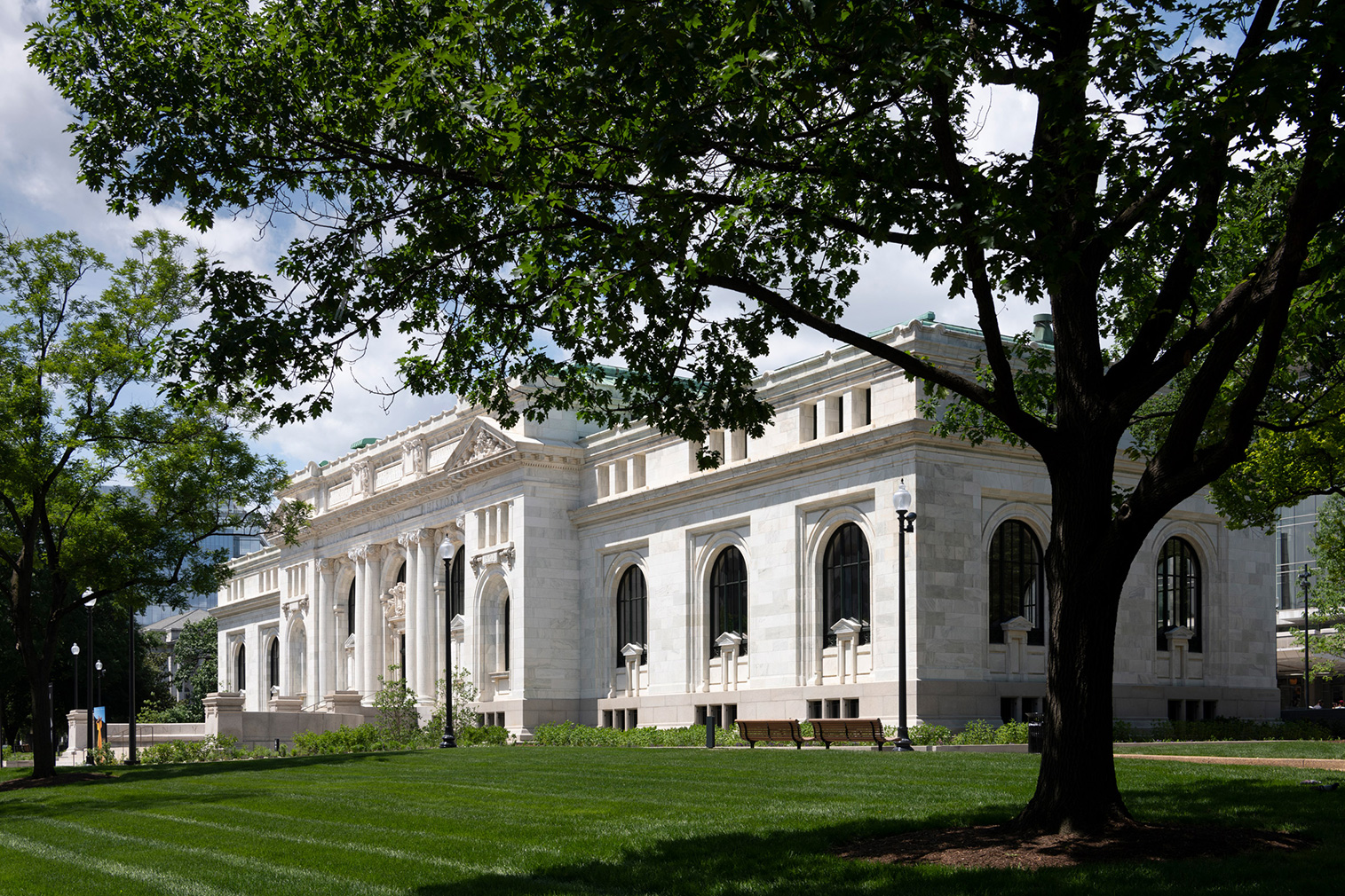 Washington DC's first public library is now an Apple store