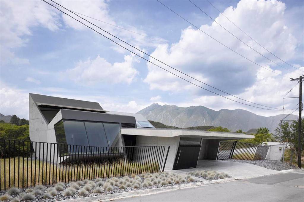 An extreme sci-fi home hits the market in Mexico's Monterrey