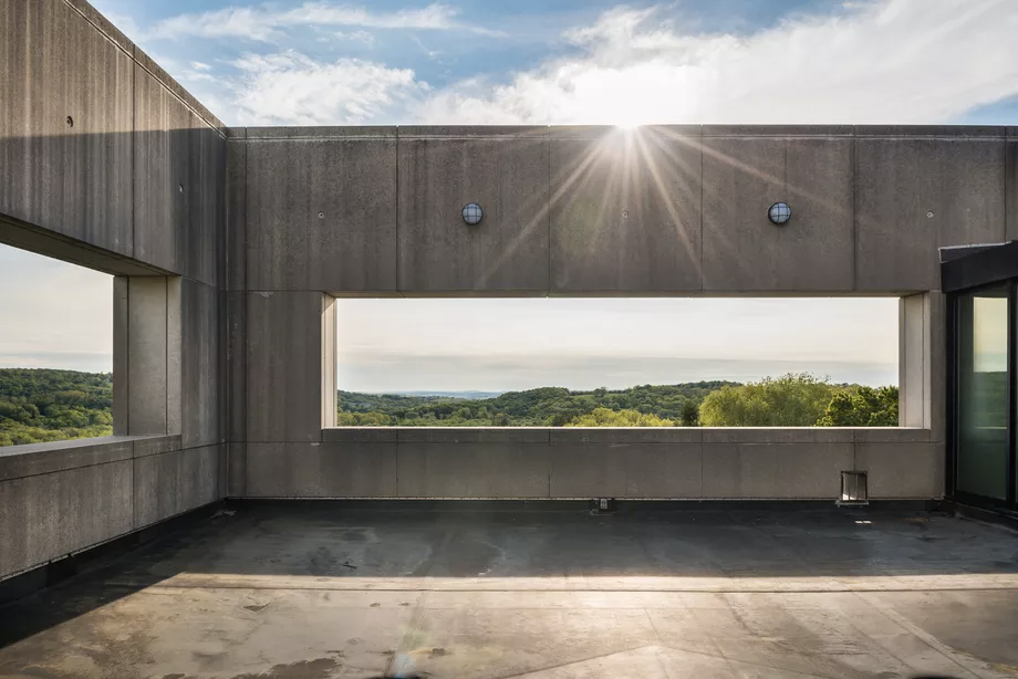 A rare Rafael Viñoly-designed home is for sale in Connecticut