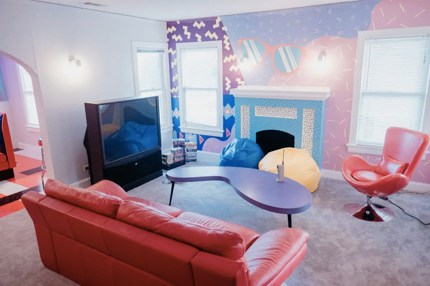 Saved By The Bell comes to life at this 90s-themed Airbnb in Dallas