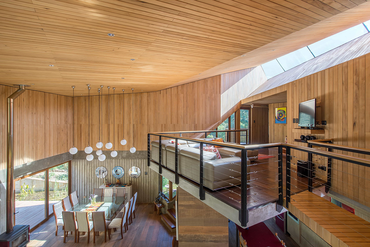 Casa El Maqui is a timber-clad mountain retreat near Santiago