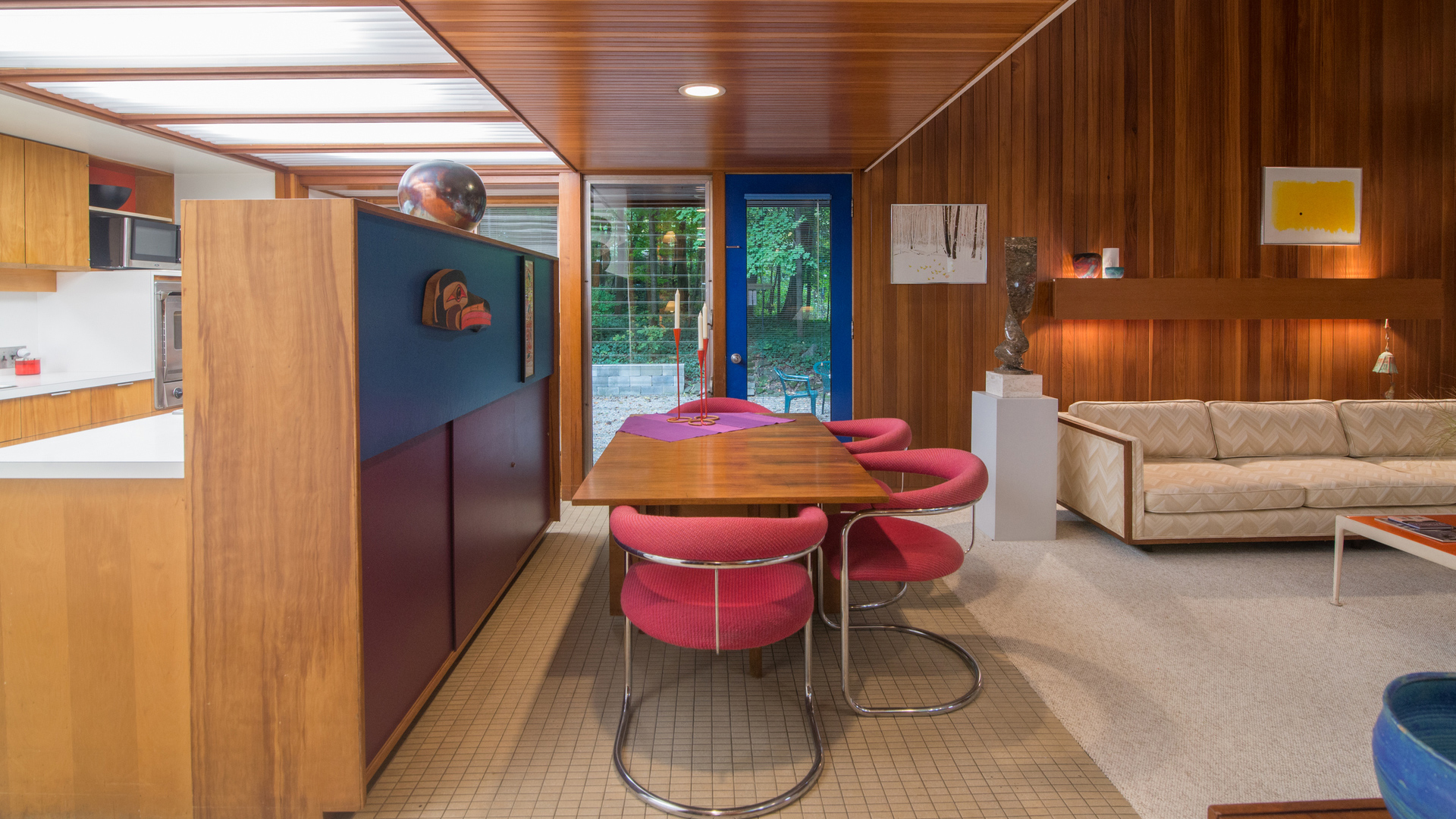 The Tivadar and Dorothy Balogh House retains its original character though has been recently painted in a style keeping with its 1950s design