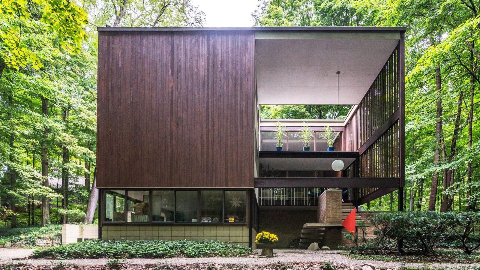 The Tivadar and Dorothy Balogh House exterior