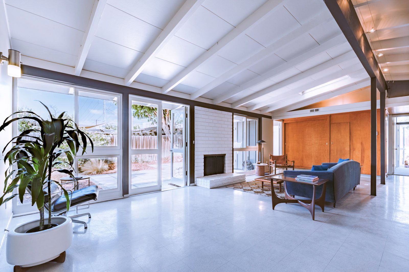 A restored Cliff May home lists in Long Beach for $849k