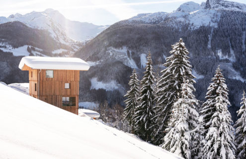 Rustic gets a refresh at this telescopic Tyrolean hideaway