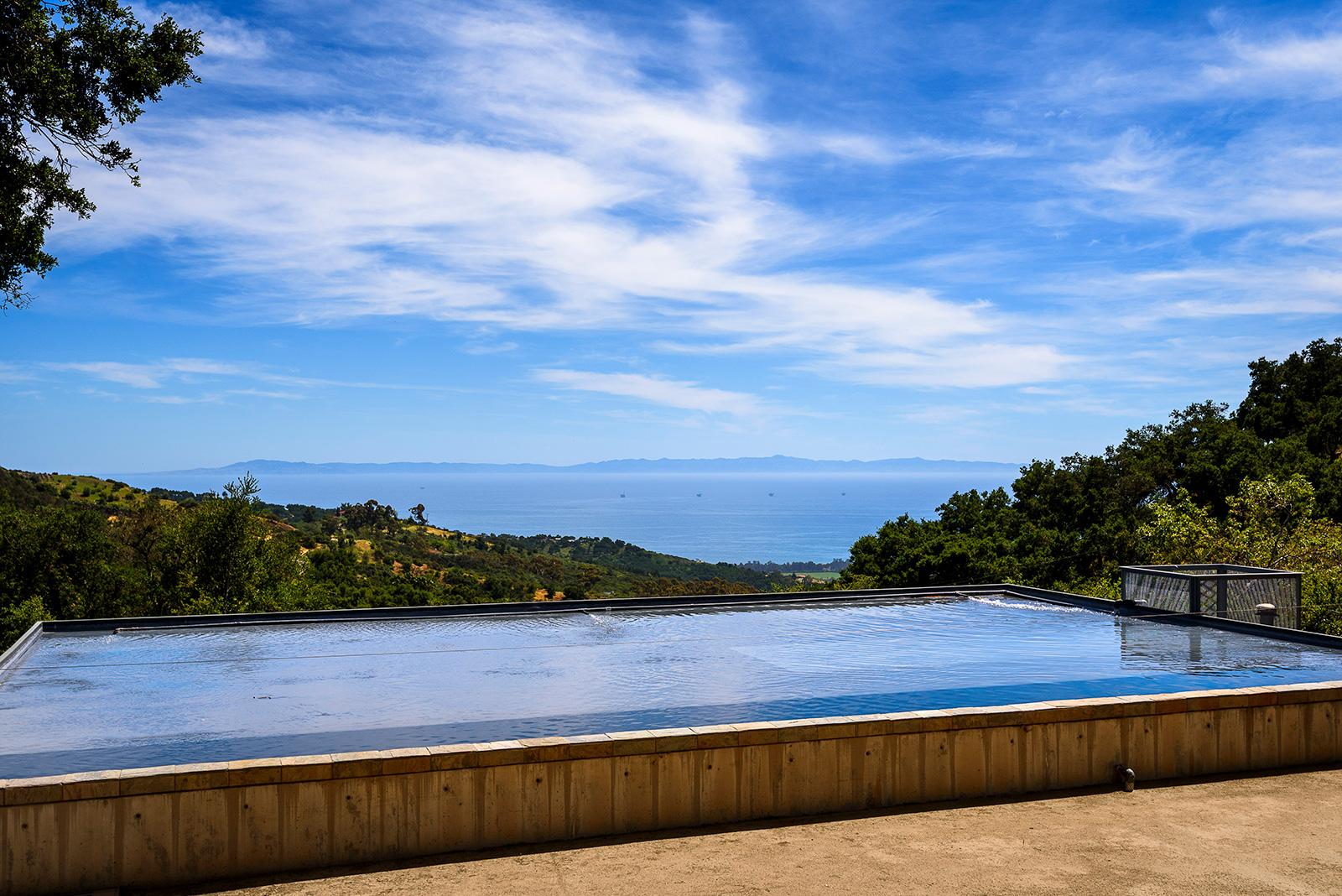 Barton Myers is selling his pioneering prefab Santa Barbara home