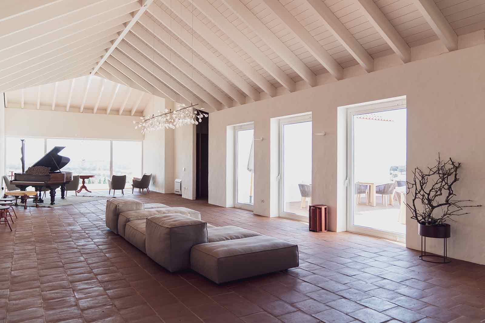 Inside Casa do Ancoradouro. Photography: Francisco Van Zeller