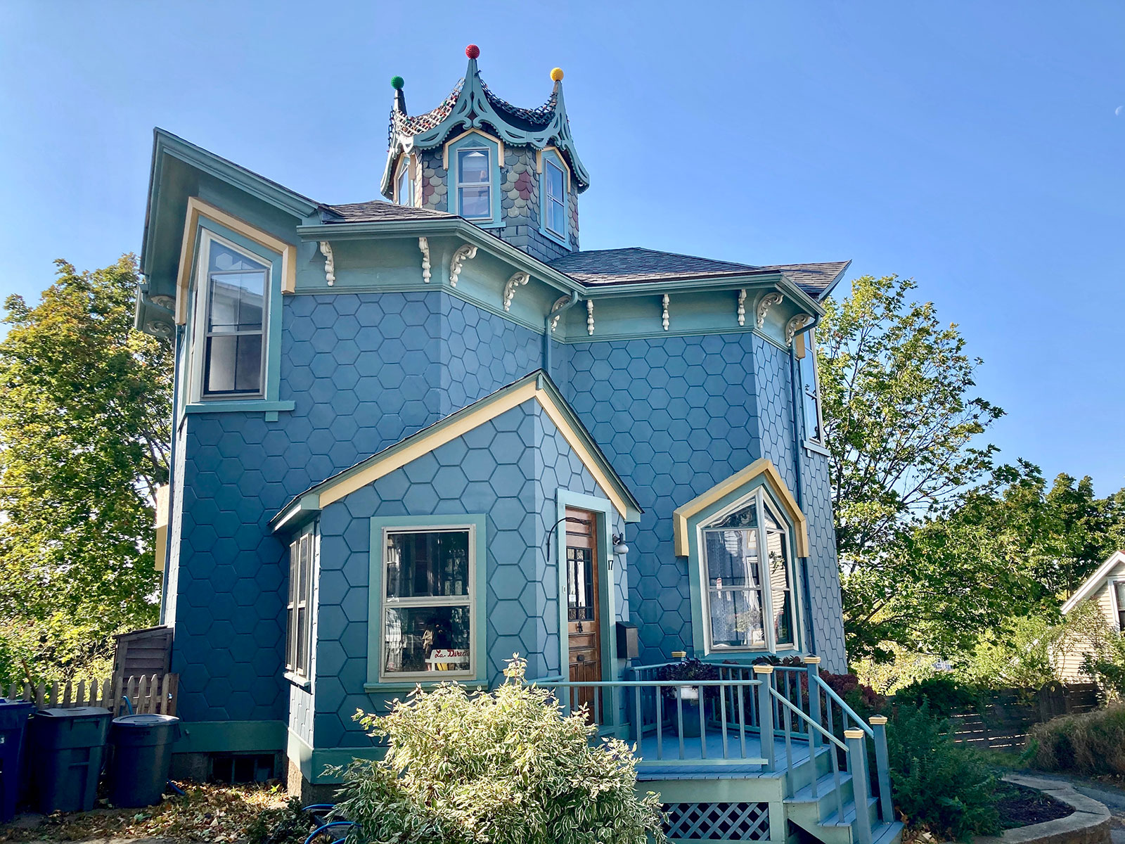 The Blue Dodecagonal House – a National Historic Landmark