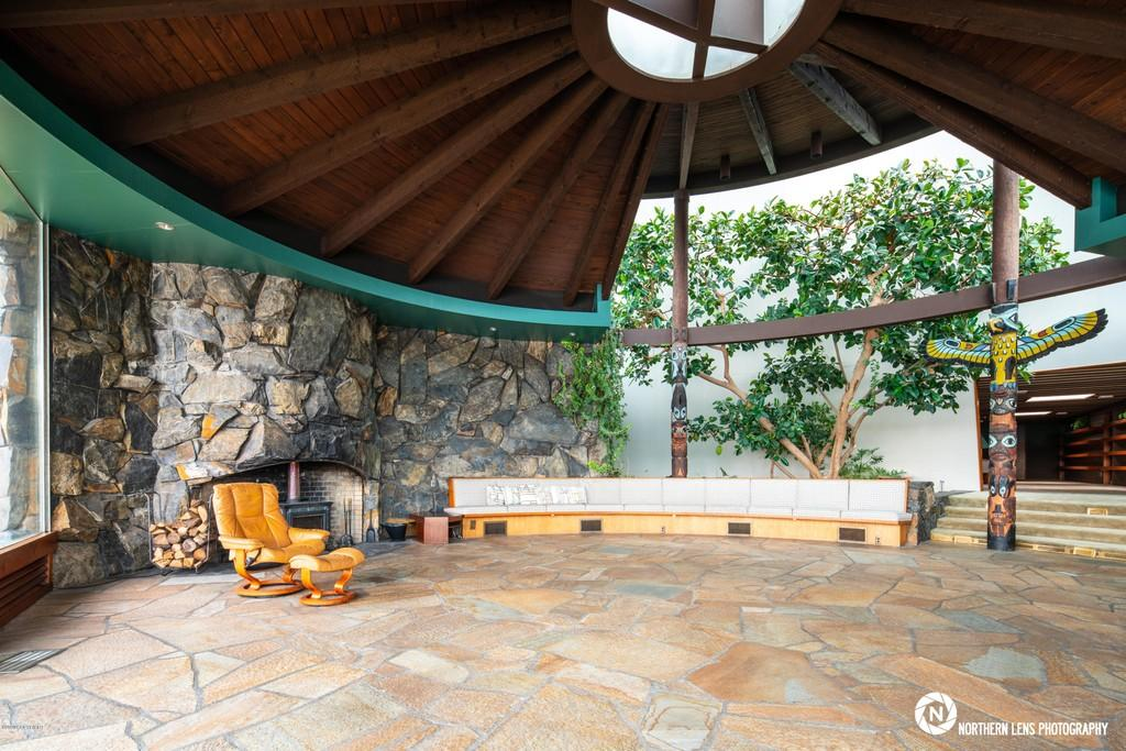 John Lautner's only Alaska home is for sale